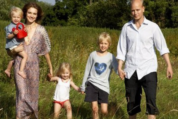 Водянова наталья с семьей фото